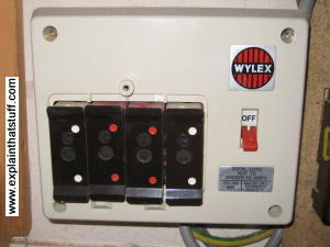 Old fashioned fusebox using fuse wire