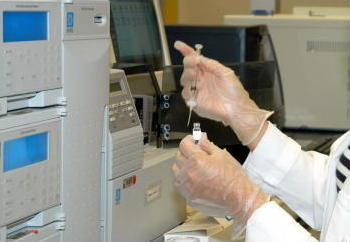 Photo: gas chromatography sample being injected