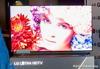 Demo of LG ultra-HD UHD TV.