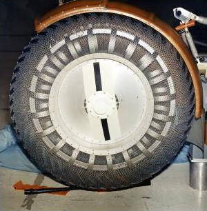 Lunar roving vehicle wheel