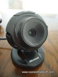 Microsoft LifeCam VX-1000 webcam on a table
