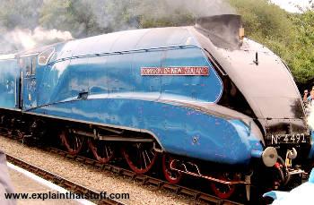 Steam locomotive class A4 4492, Dominion of New Zealand, aka Bittern Class A4 4464.