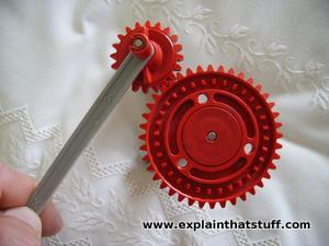 Model of a Sun and planet gear made with an erector set