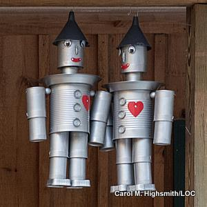 Tin Man figures in a gift shop by Carol M. Highsmith, Library of Congress.